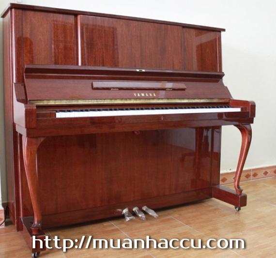 Upright Piano Yamaha W106